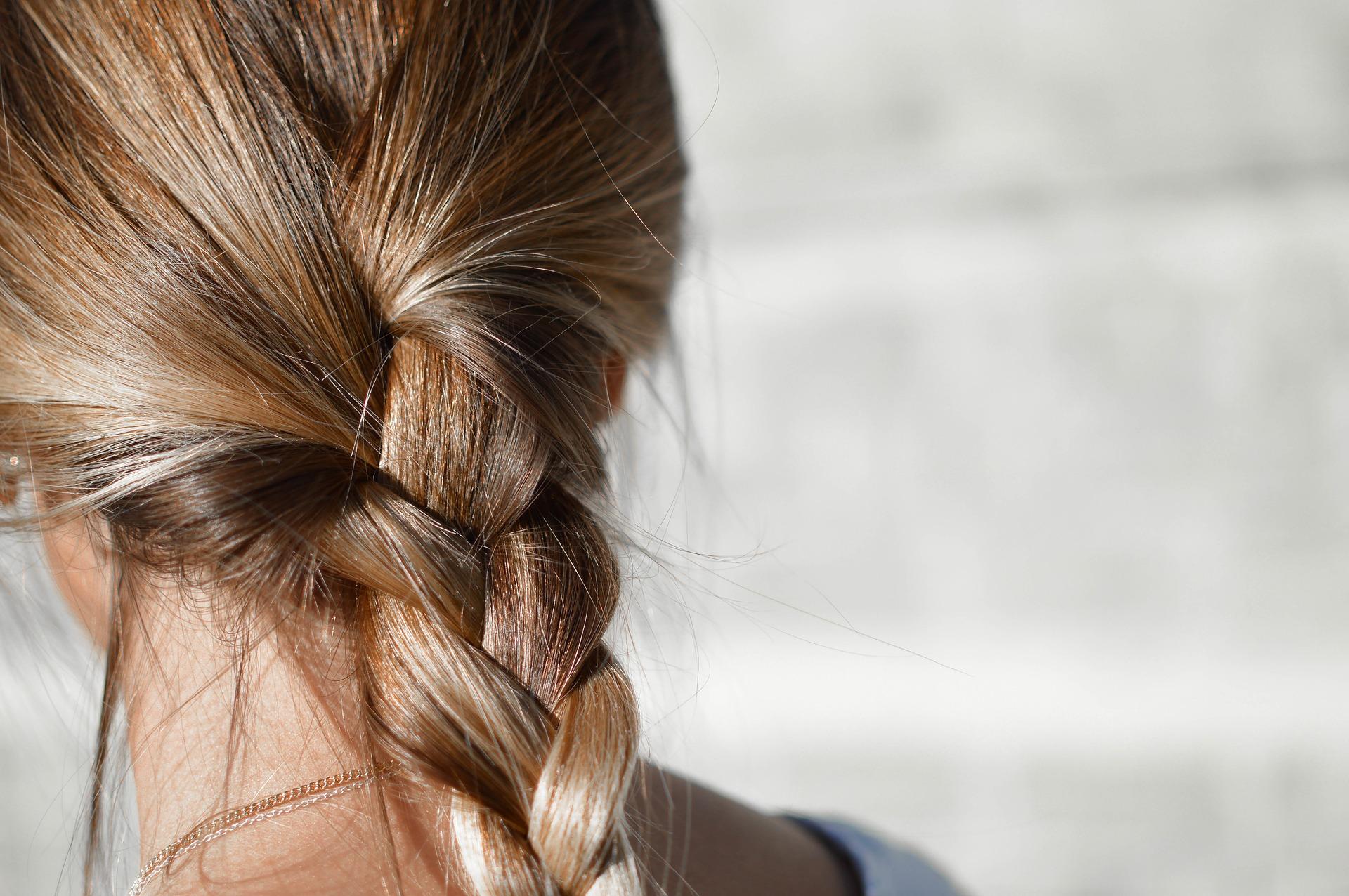 Los mejores consejos para cuidar tu cabello en verano
